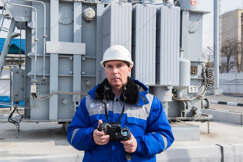 Начальник диагностической лаборатории Юрий Белогуров.