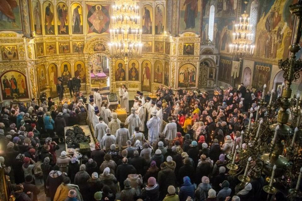 В Кузбассе прошли панихиды по погибшим в «Зимней вишне». Фото: пресс-служба АКО.