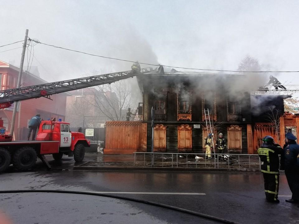 В пожаре был нанесен ущерб коллекции деревянных наличников, собранной реставратором за более чем 30 лет работы. Фото Аси Шадриной