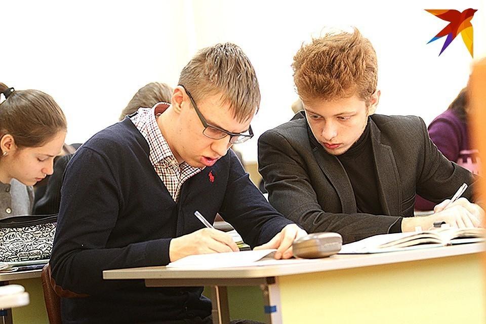 Парламент Грузии принял законопроект об отмене выпускных экзаменов в школах