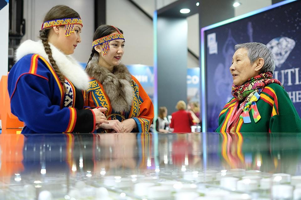 На стенде международного Арктического форума.