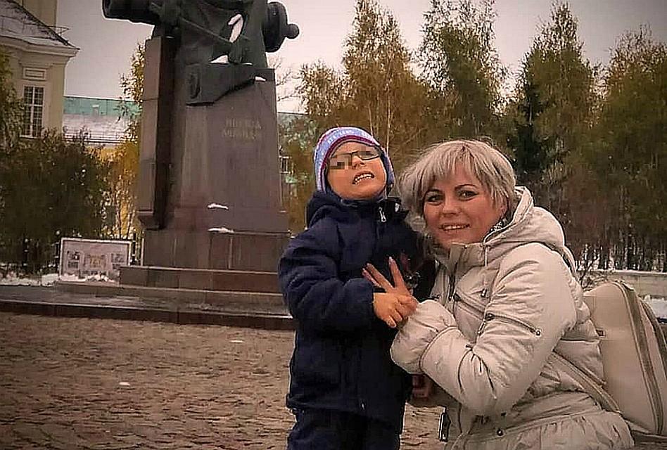 8a092ae25 В Краснодаре таксист потребовал снять обувь ребенку-инвалиду, чтобы тот не  запачкал салон
