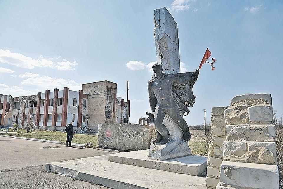 Самые несчастные и заброшенные места на Донбассе - там, где война побыла и ушла.