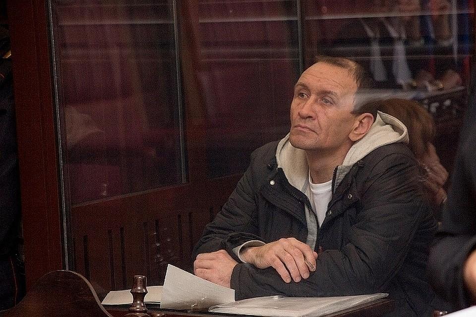 Верховный Суд отказал в иске тушившему «Зимнюю вишню» пожарному Сергею Генину
