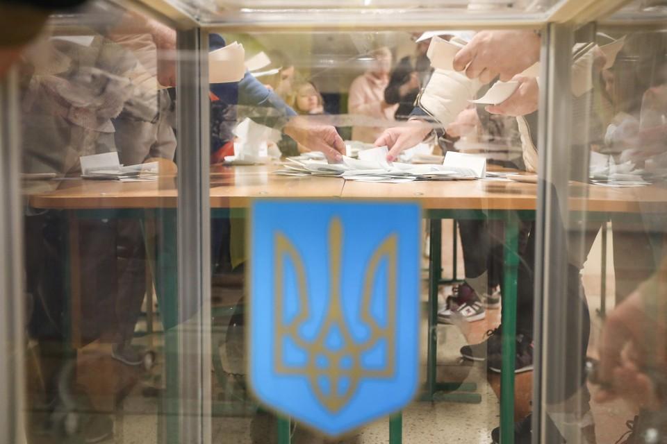 На Украине подсчитывают голоса на выборах президента страны