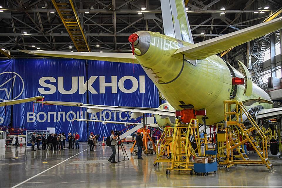 Как бы нам ни хотелось, создать заново разрушенную в 90-е годы авиастроительную промышленность очень сложно