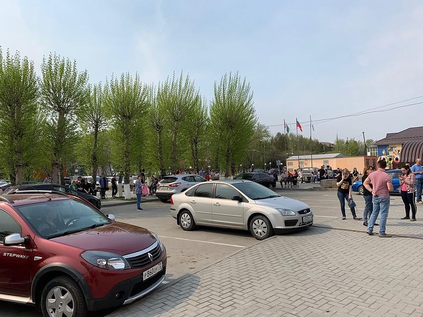 99624541b574 В Тюмени массово эвакуируют людей из торговых и бизнес-центров