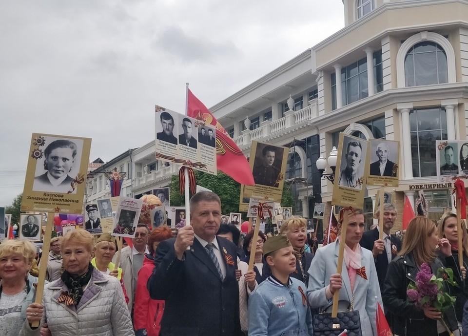 По улицам крымской столицы прошли 47 тысяч жителей