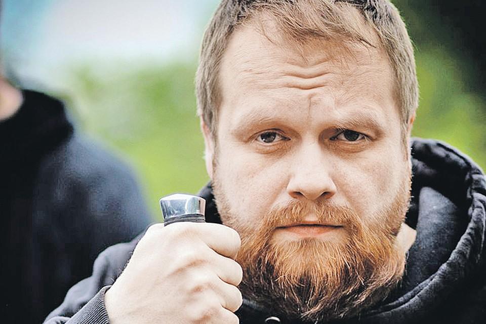 Дмитрий Демушкин когда-то открывал в Барвихе клуб ножевого боя. Да и вообще личность колоритная... Фото: vk.com
