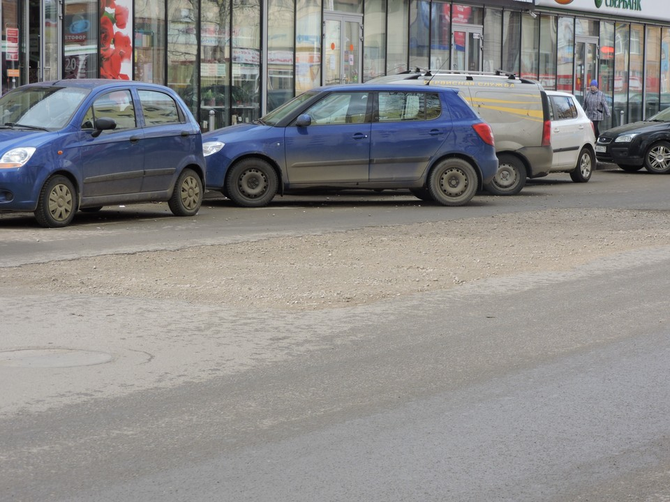"""""""Комсомолка"""" своими глазами увидела, как чувствуют себя дороги столицы Коми после долгой зимы."""