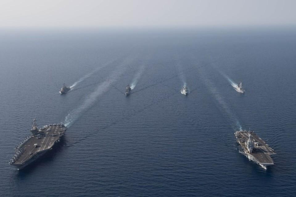 Ракетные эсминцы ВМС США вошли в Персидский залив