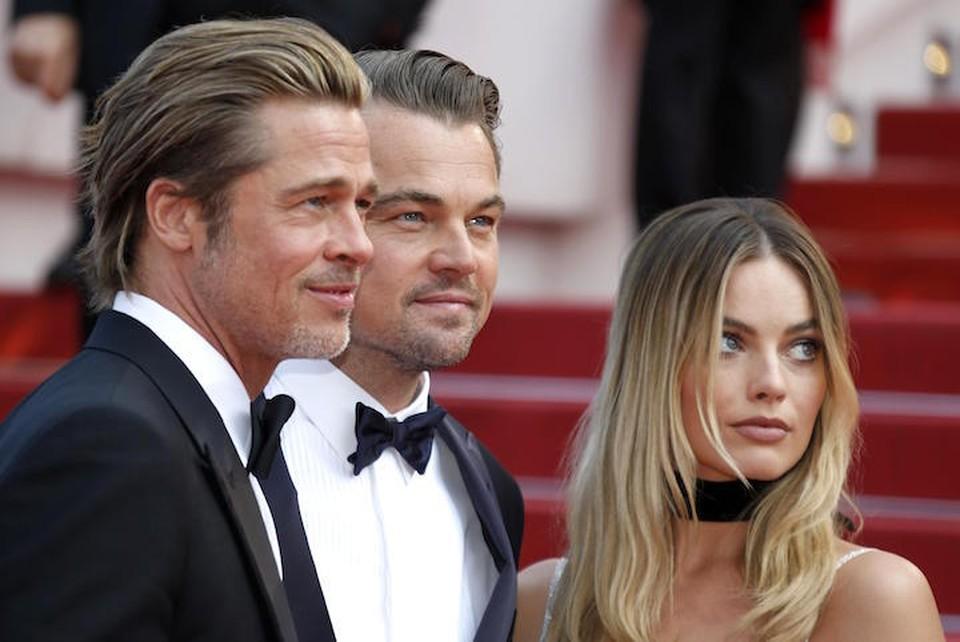 """Исполнители главный ролей Брэд Питт, Леонардо Ди Каприо и Марго Робби на премьере фильма """"Однажды в Голливуде""""."""