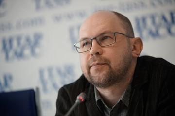 Интернет-хит : Писатель Алексей Иванов - о сытой Москве, нефтяном проклятье России и мифе про читающую нацию