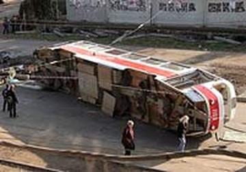 Водителя перевернувшегося трамвая признали виновной