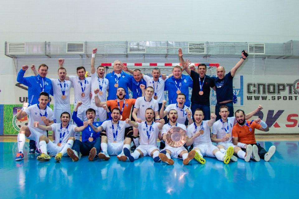 Волжане в упорной борьбе вырвали третье место у «Новой генерации». Фото: Ассоциация мини-футбола России.