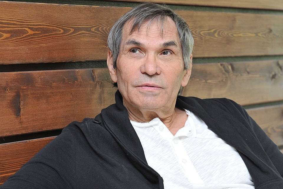 По словам врача, голос артиста должен полностью восстановится и проблемы с речью у Алибасова вскоре пройдут