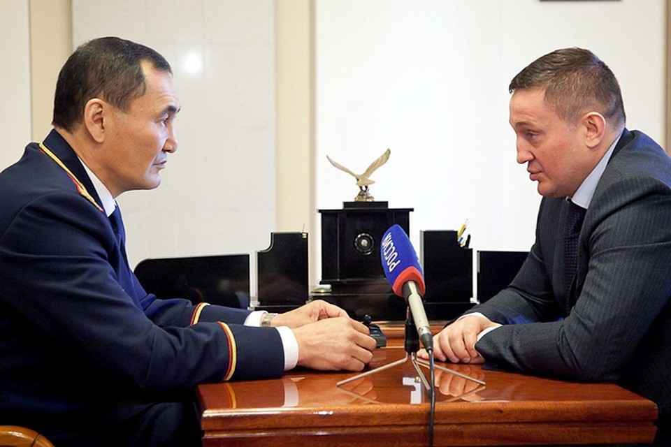 Михаил Музраев и Андрей Бочаров. Фото: администрация области.