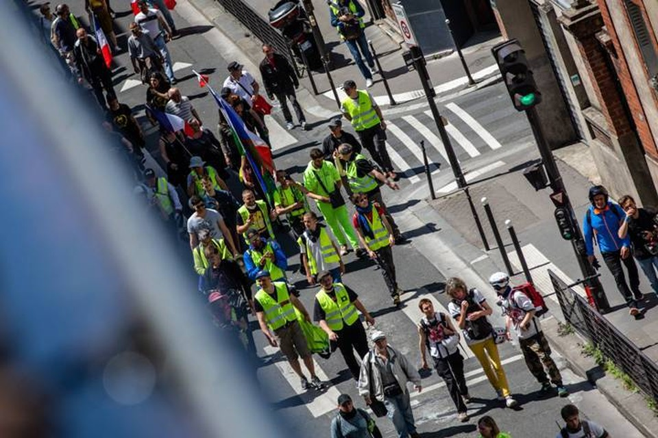 В Париже на акцию «желтых жилетов» вышли около 950 человек