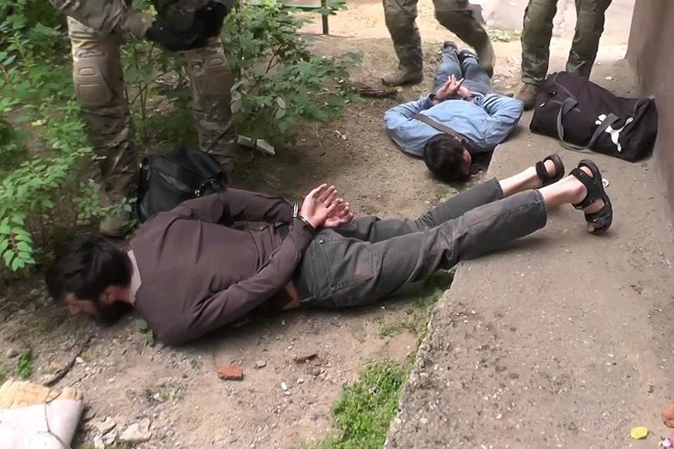 Задержанные контролировали финансовые потоки, направляемые на нужды запрещенной в России международной террористической организации «Исламское государство».