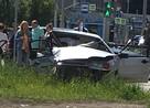 В Екатеринбурге легковушка после столкновения на дороге вылетела на тротуар и сбила коляску