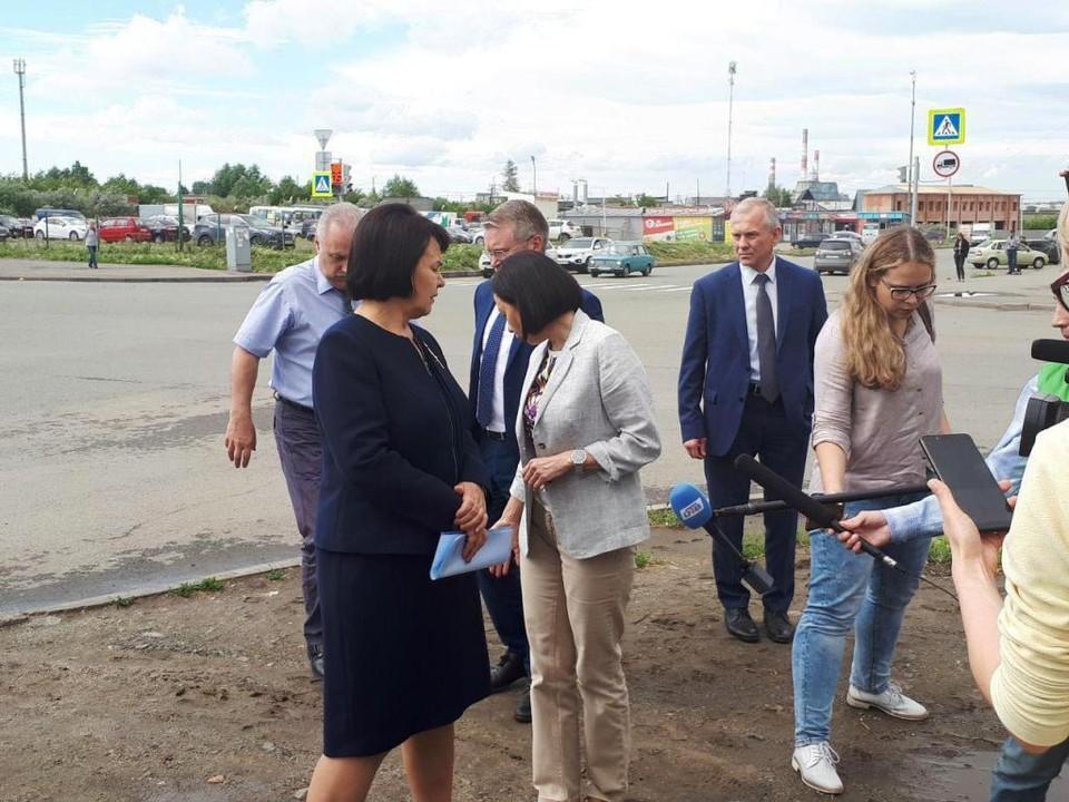 Маршрут поездки по районам был засекречен от замов Натальи Котовой. Фото: Е-область.