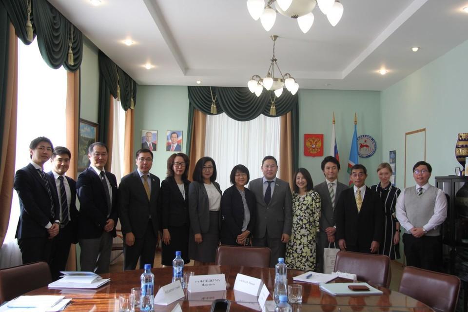 Министр по внешним связям и делам народов Гаврил Кириллин отметил, что совместные проекты являются хорошим примером сотрудничества.