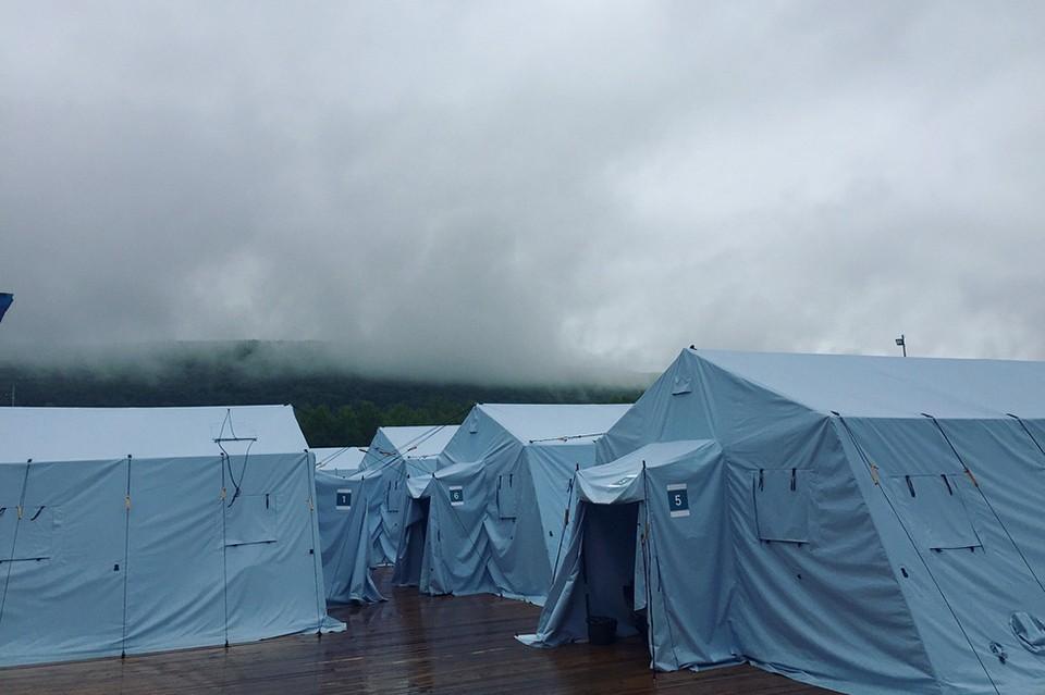 Вот так выглядел палаточный городок в «Холдоми» до пожара