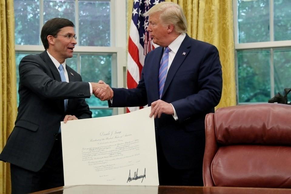 Новый глава Пентагона Марк Эспер и президент США Дональд Трамп