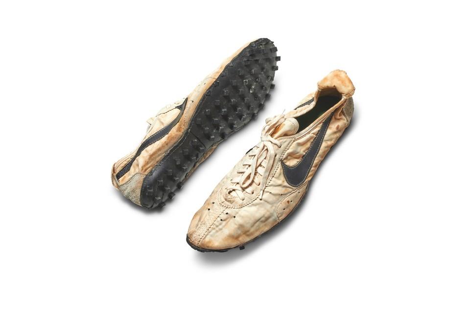 Это единственная неношеная пара этих кроссовок в мире Фото: Sotheby's twitter