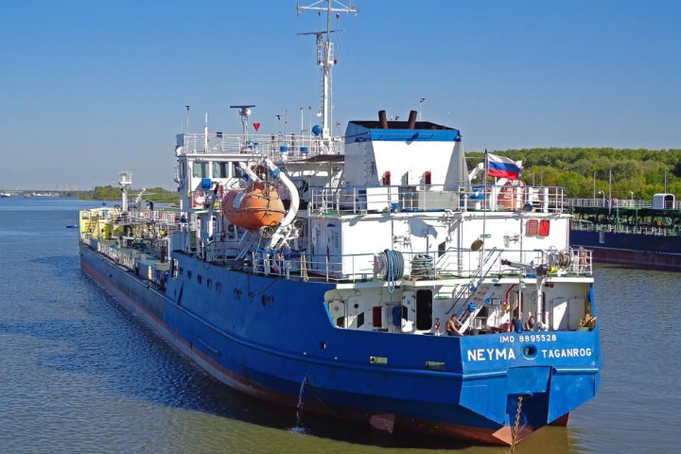 Несколько месяцев назад судно, которое было продано с торгов за долги, сменило и собственника, и название. Фото: korabel.ru/Владиславлев Владимир