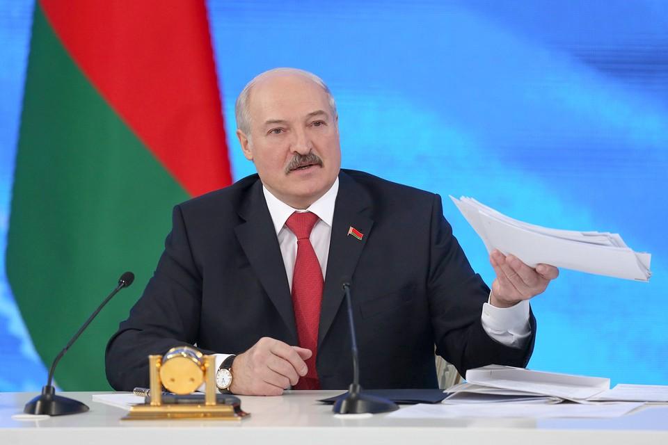 Лукашенко напомнил, что зарплата - это святое. Фото: БелТА