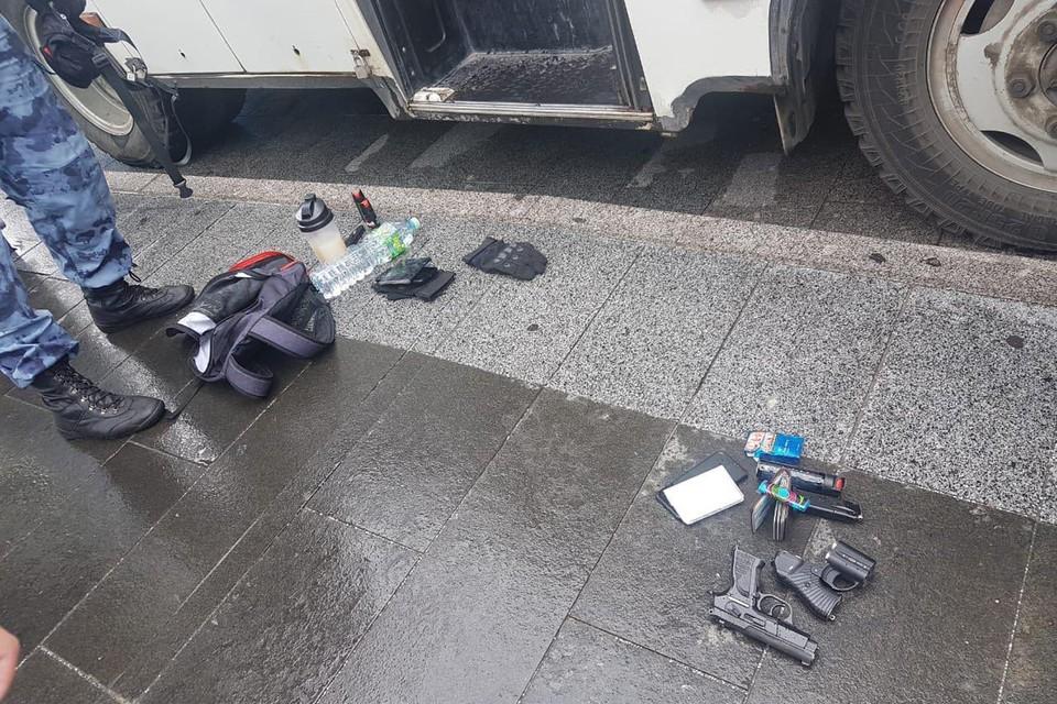Все это отобрано у задержанных на несогласованной акции протеста в Москве