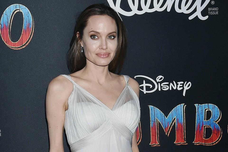 Анджелина Джоли давно не радовала поклонников откровенными съемками