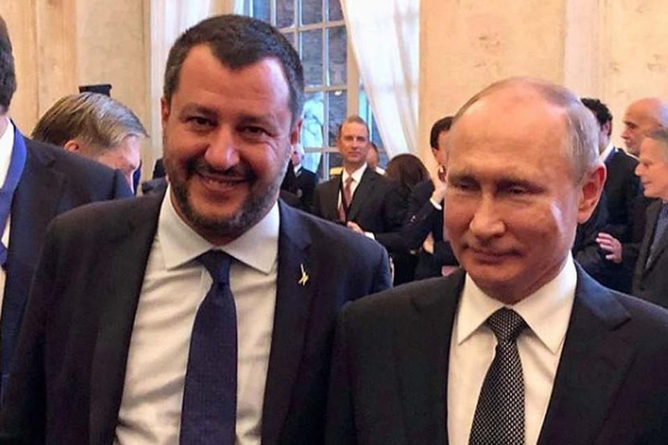 Вице-премьер и глава МВД Италии Маттео Сальвини с президентом России Владимиром Путиным (слева направо)