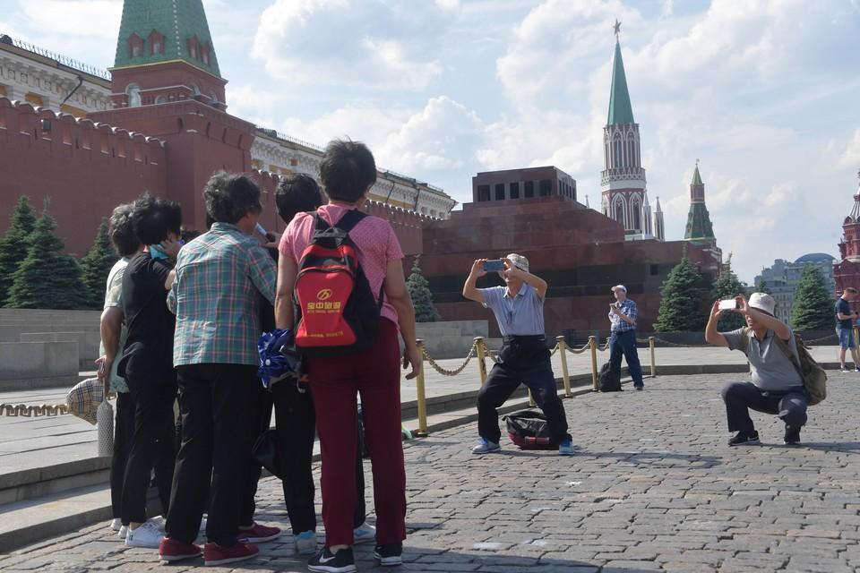 В список самых популярных достопримечательностей Москвы среди пользователей Instagram вошла Красная площадь