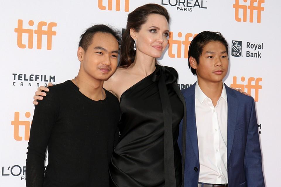 Страший сын Анджелдины Джоли будет учиться в Южной Корее.