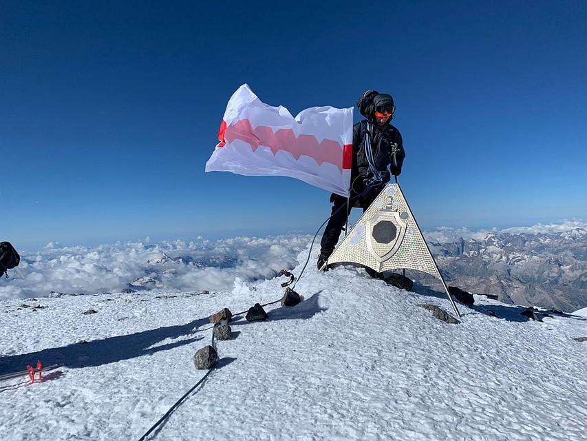 В Крыму туристы сняли на видео восьмилетнего альпиниста