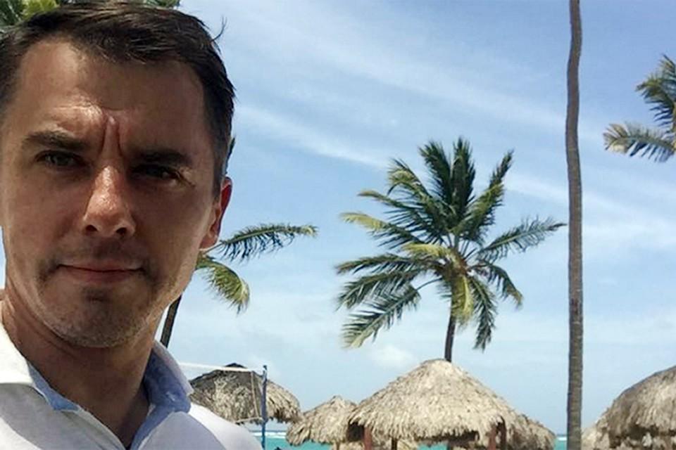 Игорь Петренко со своей большой семьей наслаждается морем и солнцем в райском уголке