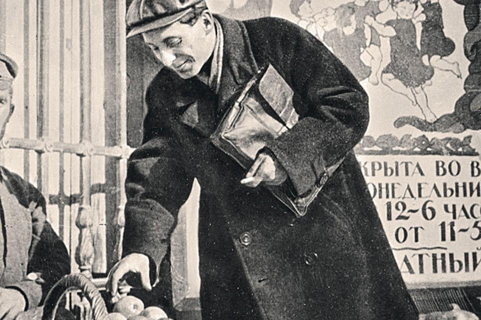 1923 год. Вот так проходили фотосессии звезд. Фото: Борис ИГНАТОВИЧ/РИА Новости