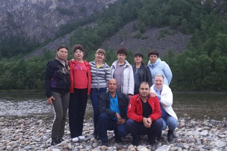 Тот самый медицинский десант перед поездкой в Тофаларию. Марина Балганова -четвертая слева в верхнем ряду.