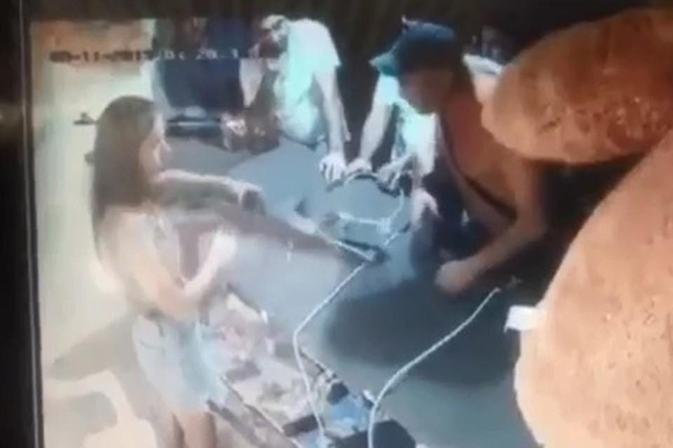 Драка в тире Анапы попала на видео