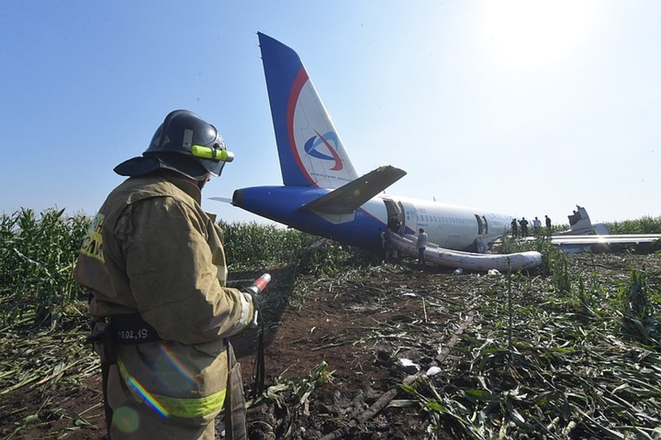 Аварийную посадку А-321 уже окрестили «чудом под Жуковским».