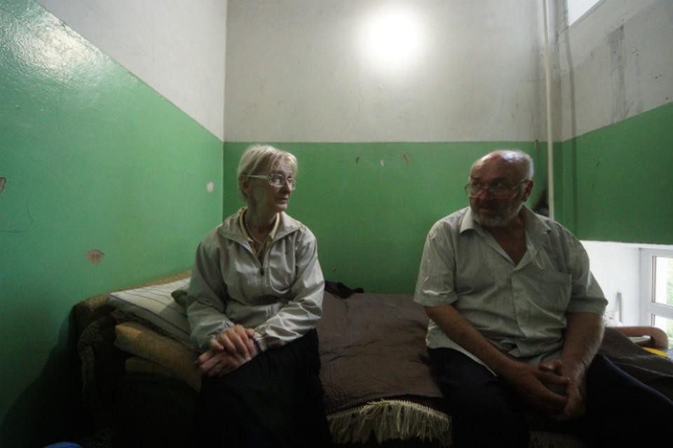 Людмиле 69 лет, Валерию - 70