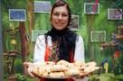 Много булок, сахара и консервов: Эксперты оценили, как питаются в России