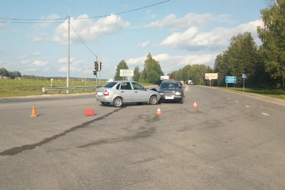 Женщина выехала на перекресток на запрещающий сигнал светофора. Фото: УГИБДД УМВД России по Кировской области