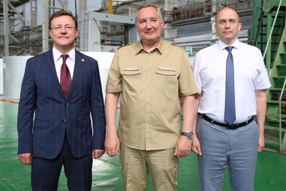 Глава Роскосмоса встретился с губернатором региона и директором предприятия