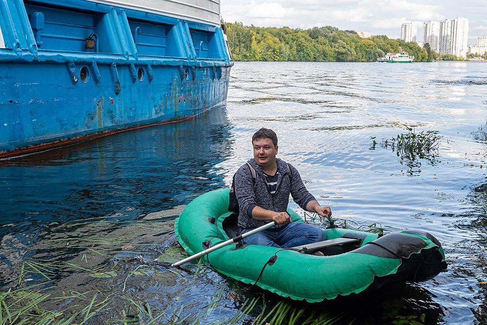 """Журналист """"Комсомолки"""" Павел Клоков отправился в одиночное плавание по просторам Москвы-реки."""