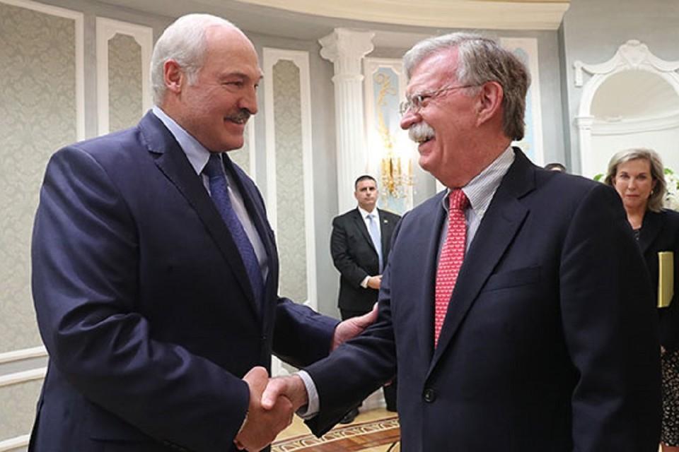 Джон Болтон - самый высокопоставленный представитель США, которого принял Александр Лукашенко. Фото пресс-службы президента Беларуси