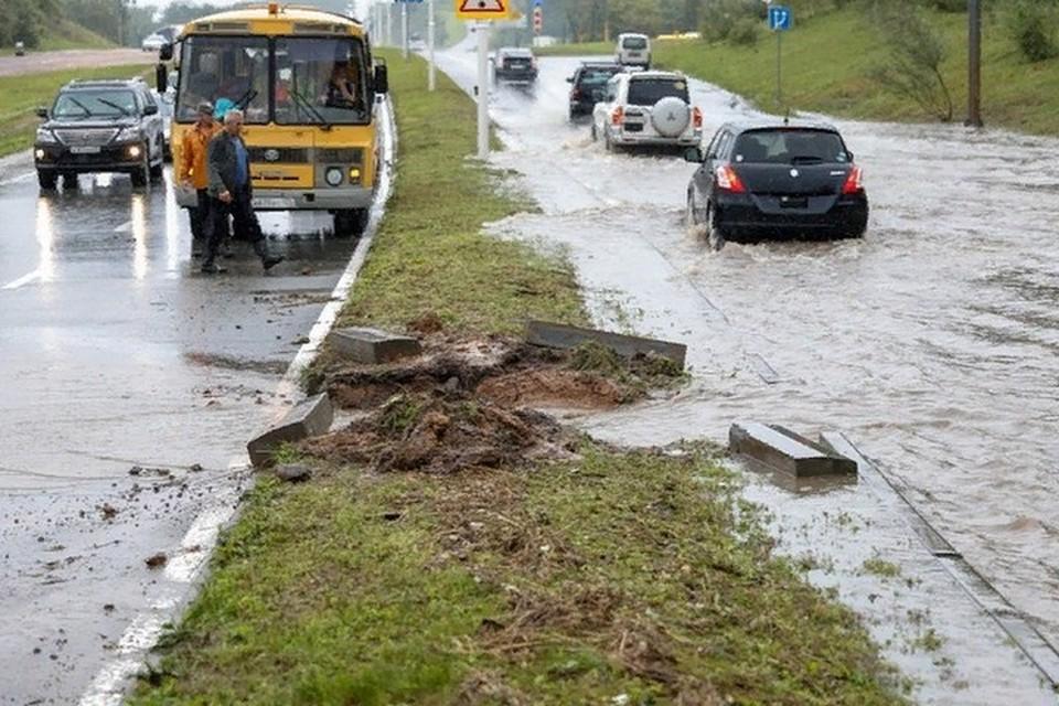 По Владивостоку также больно, как и в прошлые разы, вновь ударила стихия