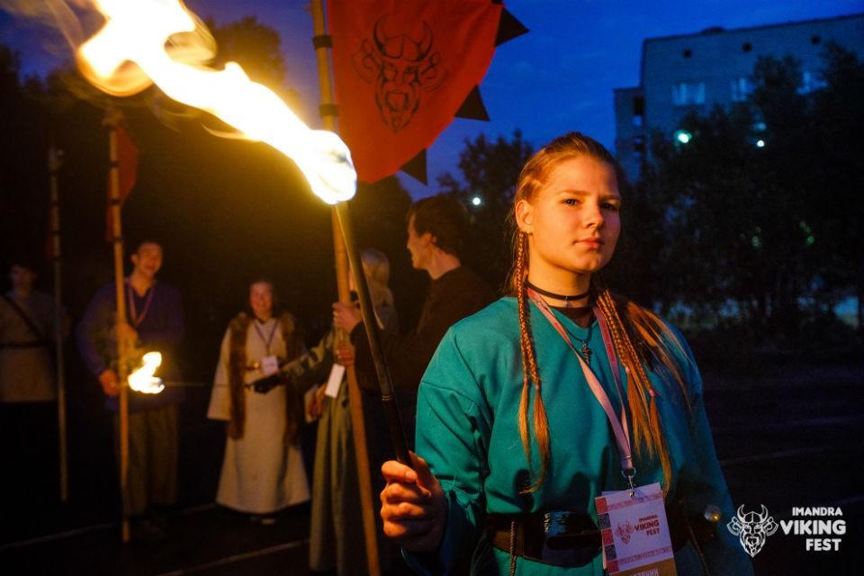 Одна из визиток фестиваля - костюмированное шоу. Фото: Александр Алексеев